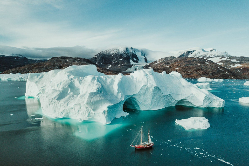 ▲Greenland's unique topography is defined by huge icebergs and looming mountains(scmp.com)