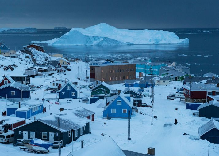 ▲The town of Ilulissat, Greenland's third largest, with a population of 4,400. Image by Jonas Bendiksen. Magnum Photos. Greenland, 2018.